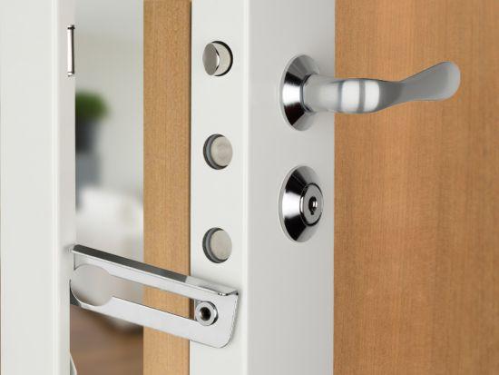 pr sence 3 serrure avec 7 points de fermeture norm e a2p 3 toiles. Black Bedroom Furniture Sets. Home Design Ideas
